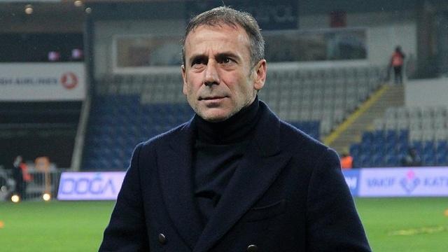 Beşiktaş'ta teknik direktör Abdullah Avcı ve kurmayları Nevzat Demir Tesisleri'nde bir araya geldi.