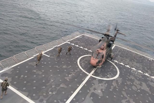 """Deniz Kuvvetleri Komutanlığı unsurlarınca, Ege Denizi'nde """"Şehit Deniz Piyade Er Nurullah Çakır Amfibi Tatbikatı"""" icra edildi."""