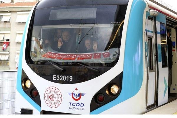 Gebze-Halkalı Banliyö Tren Hattı, Cumhurbaşkanı Recep Tayyip Erdoğan ile AK Parti İstanbul Büyükşehir Belediye Başkan Adayı Binali Yıldırım'ın katıldığı törenle açıldı.