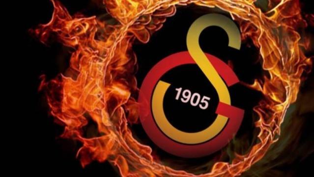 Yeni sezona hızlı bir giriş yapan ve hem Süper Lig hem de UEFA Avrupa Ligi'nde aldığı üst üste galibiyetlerle taraftarlarını mutlu eden Galatasaray'da flaş transfer gelişmeleri yaşanıyor. Teknik direktör Fatih Terim'in kadroda görmek istediği yıldız futbolcu, sarı-kırmızılı takımla görüştüğünü açıkladı.