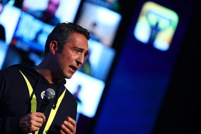 """Fenerbahçe Kulübü, taraftar uygulaması """"Mohikan""""ın tanıtımını bir toplantı ile yaptı. Fenerbahçe Kulübü Başkanı Ali Koç """"Mohikan sayesinde Fenerbahçe'nin her daim yanında olacaksınız"""" açıklamasında bulundu."""