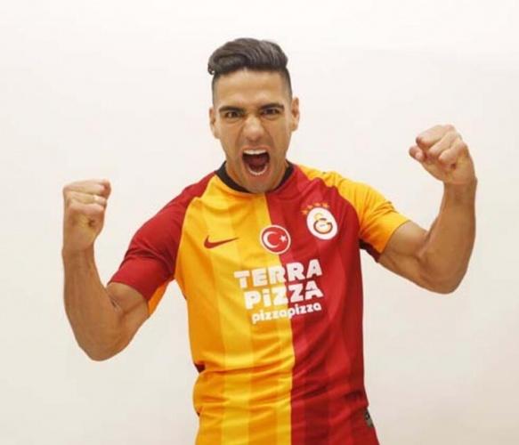 Portekiz basını, Cimbom'un yüksek maliyeti ve sakatlık problemi nedeniyle yollarını ayırmak istediği Radamel Falcao'nun yerine transfer etmek istediği yıldız ismi duyurdu.