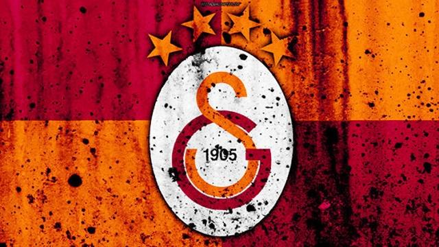 Süper Lig'de son olarak sahasında Trabzonspor'a yenilen Galatasaray'da işler hiç de istenildiği gibi gitmiyor. Şampiyonlar Ligi'ne gitme şansı oldukça düşen sarı-kırmızılılarda teknik direktör Fatih Terim, gelecek sezon için dev neşteri vurmaya hazırlanıyor. İşte detaylar...