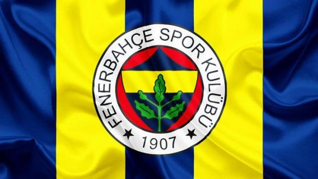 Kosovalı golcüsü Vedat Muriqi'nin Lazio'ya transfer olmasının ardından golcü arayışlarını hızlandıran Fenerbahçe'ye kötü haber geldi. Yeni forvetini Süper Lig'in 3. haftasında oynanacak Galatasaray derbisine yetiştirmeyi amaçlayan sarı-lacivertlilerin hafta içerisinde İstanbul'a getirerek resmi sözleşme imzalamayı planladığı yıldız futbolcuyla ilgili sarı-lacivertlileri üzen bir açıklama geldi.