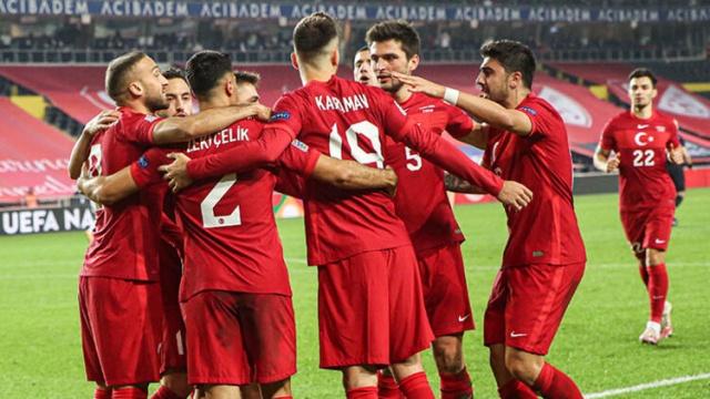A Milli Futbol Takımı, Rusya karşısında aldığı 3-2'lik galibiyetin ardından FIFA sıralamasında rakibini geçmeyi başardı.