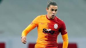 Galatasaray'ın bu sezon en başarılı futbolcuları arasında başı çekenTaylan Antalyalıçalışmasının karşılığını aldı. Son iki maçta yedek kalmasına karşın orta sahada sergilediği etkili futbolu ile Avrupa takımlarının da ilgisini çekti.