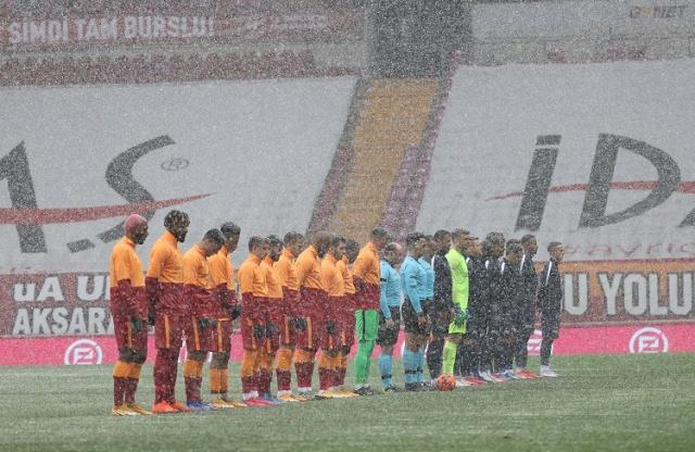 Sezon sonunda şampiyon olup mutlu sona ulaşmak isteyen Galatasaray, gelecek sezon için transfer çalışmalarına erken başladı.