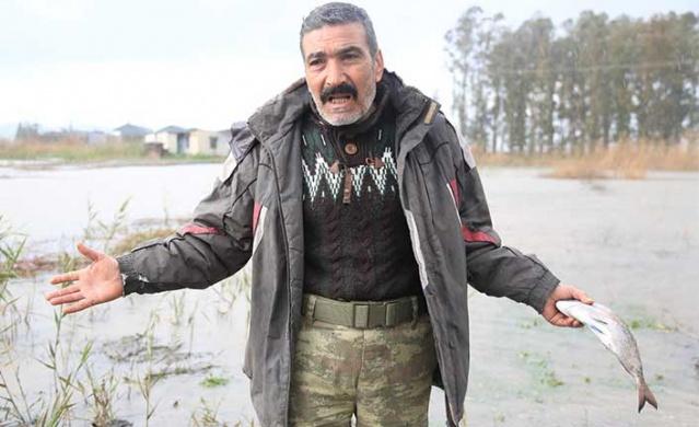 Muğla'nın Milas ilçesinde tarla balıkçılığı yapılan havuzlar şiddetli yağışlar nedeniyle sular altında kaldı.