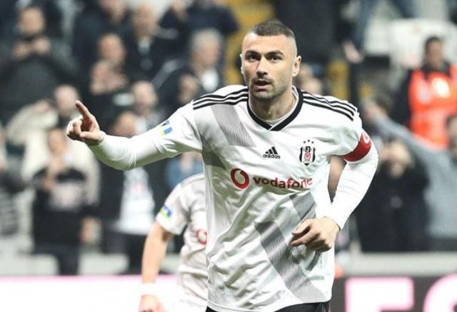 Fransız ekibinden yapılan açıklamada, 35 yaşındaki futbolcusu ile 2 yıllık sözleşme imzalandığını duyurdu.