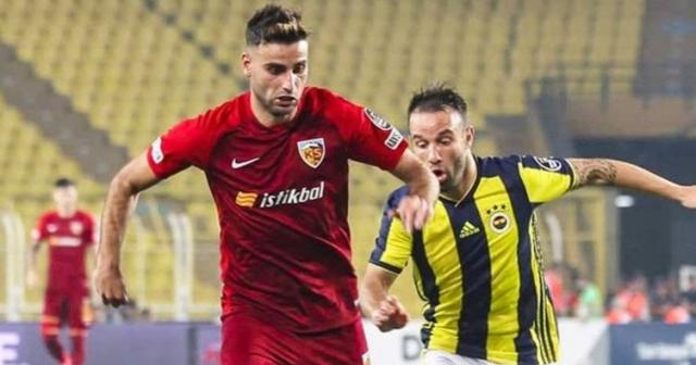 Fenerbahçe'den ezeli rakibi Galatasaray'a transfer çalımı. Sarı-lacivertliler, uzun süredir Galatasaray'ın kadrosuna katmak için uğraş verdiği futbolcu için resmi teklifini yaptı.