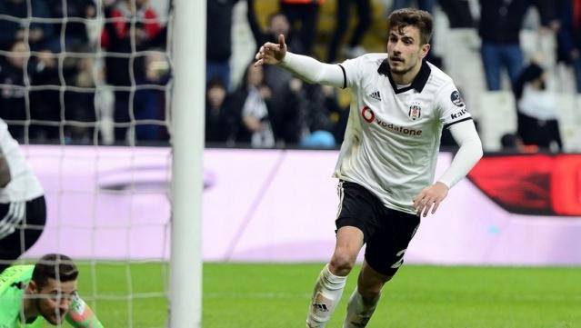 Beşiktaş'ta gösterdiği performansla A Milli Takım'a kadar yükselen genç yıldızı Dorukhan Toköz,  Avrupa devi Liverpool'un radarına girdi.