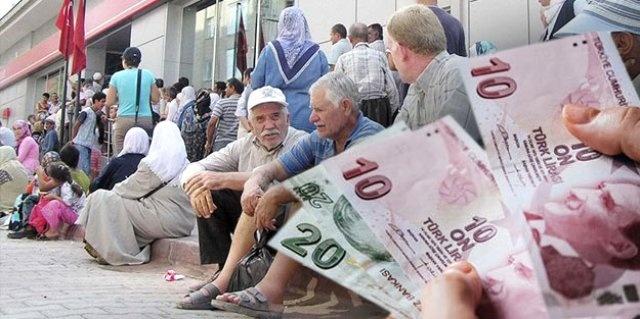4) NAFAKA GİBİ HACİZ YOK Emekli aylıkları nafaka ve SGK borcu dışında haczedilemiyor. Bayram ikramiyesi için de aynı durum geçerli olacak. Emeklilere yılda iki kere 1000 TL bayram ikramiyesi verilmesine ilişkin 5510 sayılı Kanunu Ek 18'inci maddesinde, 'Bu madde kapsamında yapılan ödemelerden kesinti yapılamaz ve bu ödemeler haczedilemez' hükmü yer alıyor.