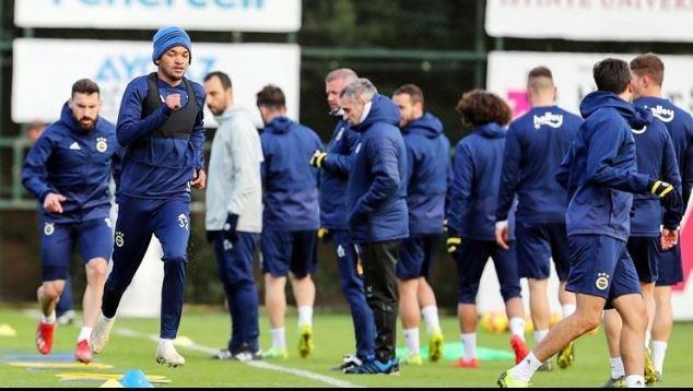 Fenerbahçe'de teknik direktör Ersun Yanal Spor Toto Süper Lig'e verilen arayı efektif bir şekilde değerlendirmenin hesabını yapıyor.
