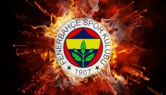 Yaz transfer döneminin en hızlı takımı olarak dikkat çeken Fenerbahçe'de hareketlilik sürüyor.