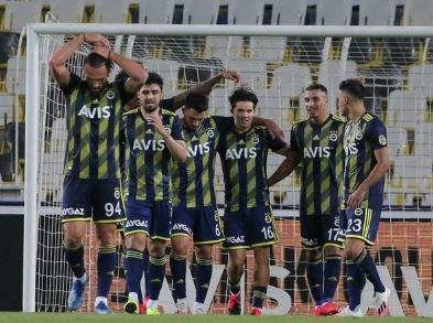 FENERBAHÇE GAZA BASTI  Süper Lig'de kalan üç maçını kazanarak ligi üçüncü sırada bitirmek ve Avrupa kupalarına katılmak isteyen Fenerbahçe'de transfer çalışmaları hız kazandı.