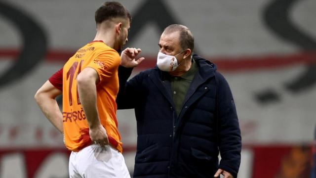 Transfer ettiği yıldiz isimlerle rakiplerini geride bırakarak Süper Lig'de zirveye oturan Galatasaray sezon sonuna kadar liderlik koltuğunu bırakmamak için gayret ediyor. Sezon sonunda bazı isimlerle yollarını ayırmaya hazırlanan Galatasaray ayrılacak isimleri belirledi.