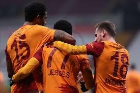Süper Lig'de ilk yarıyı 39 puanla lider Beşiktaş'ın 5 puan gerisinde tamamlayan Galatasaray'da gözler transfere çevrildi.