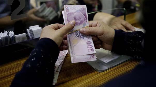 """Hükümet, sosyal güvenlik reformu kapsamında emekliye ikinci bir gelir kapısı açacak olan """"tamamlayıcı emeklilik"""" sistemini teşvik eden adımlar atacak."""