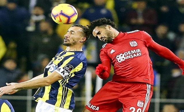 Tarihinin en kötü dönemini geçiren ve son Sivasspor galibiyetiyle az da olsa nefes alan Fenerbahçe, yeni sezon için de hazırlıklarını şimdiden yapıyor.