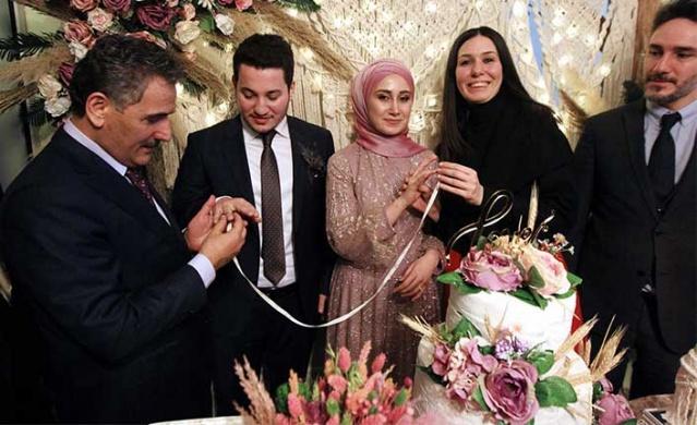 Konuşmaların ardından öz çekim yapan Karaaslan, çektiği fotoğrafı Cumhurbaşkanı Erdoğan'a gönderdi.
