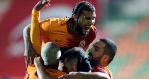 Galatasaray'da 3 ayrılık sonrası 6 transfer bombası birden