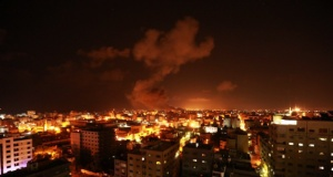 İşgalci İsrail Gazze'yi vuruyor
