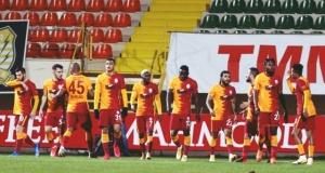 Terim ısrarla istiyor: Galatasaray'dan çılgın transfer trafiği