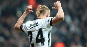 İngiliz devi Beşiktaş'ın yıldızına kancayı taktı!