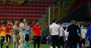 Usta yazardan çarpıcı sözler! 'Fenerbahçe...'