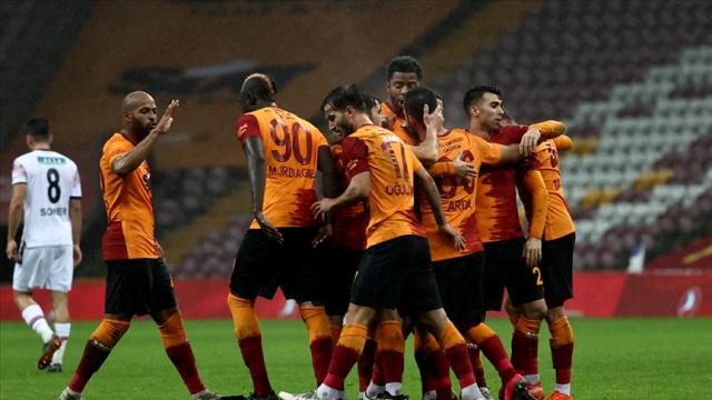 Süper Lig'in 20. haftasında sahasında ağırladığı Denizlispor'u 6-1'lik skorla geçen Galatasaray'da transfer çalışmaları sürüyor.