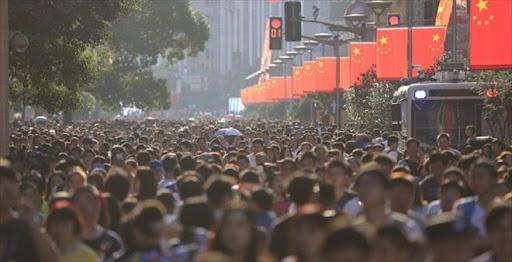 """Dünya nüfusu her geçen gün artarken metropol şehirler de genişlemeye devam ediyor  Dünya nüfusu her geçen gün artarken metropol şehirler de genişliyor. 2020 yılında dünyanın en kalabalık şehirleri listesi de belli oldu. Peki """"2020'nin en kalabalık şehirleri hangileri? İstanbul kaçıncı sırada?"""" İşte bu soruların cevabı..."""