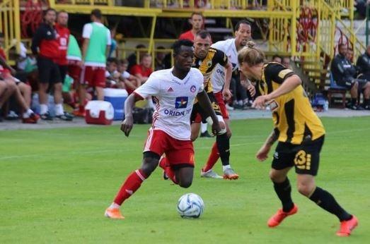İSTATİSTİKLERİ DİKKAT ÇEKİYORBu sezon Trencin formasıyla 25 maça çıkan Ganalı futbolcu, 8 gol atarken 12 de asist yapma başarısı gösterdi.