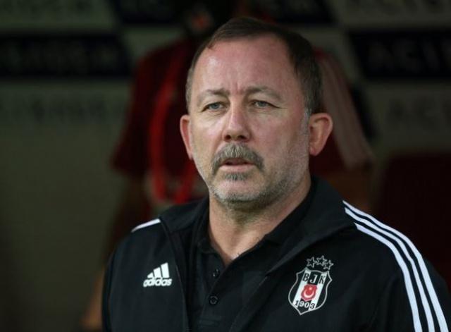 Süper Lig'de sezonu 3. sırada tamamlayan Beşiktaş'ta yaz transfer dönemi için çalışmalar başladı.