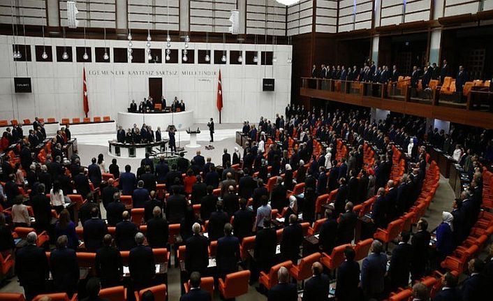 Milletvekillerinin maaşları kesilemeyecek…