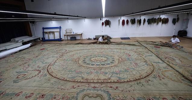 124 metrekarelik en büyük halı restore ediliyor
