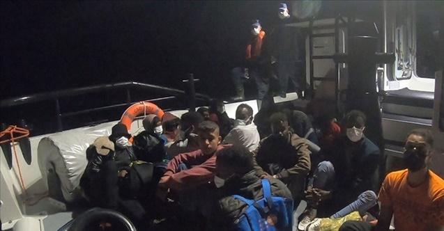 Yunanistan'ın ölüme ittiği 128 göçmen kurtarıldı