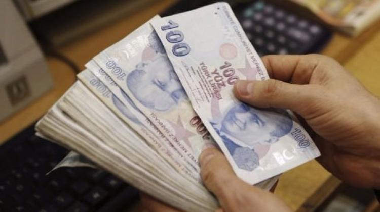 Üç kamu bankasından firmalara kredi desteği