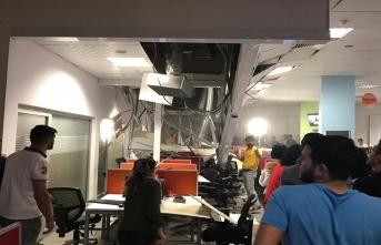 Çağrı merkezinin tavanı çöktü, yaralılar var