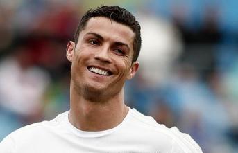 En çok gol atan futbolcu oldu
