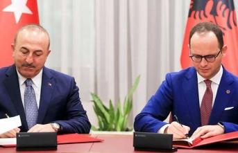 Bakan Çavuşoğlu, Arnavutluk Dışişleri Bakanı Ditmir Bushati görüştü