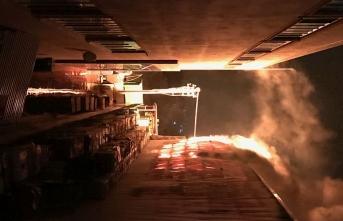 Geri dönüşüm tesisinde büyük yangın