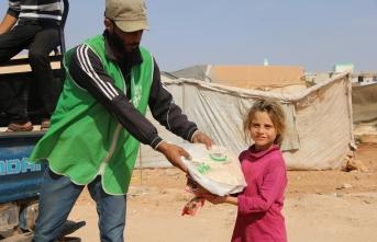 İHH'dan İdlib'deki sivillere 10 milyon ekmek