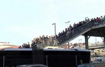 Metrobüs arıza yaptı, vatandaşlar zor anlar yaşadı
