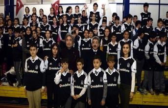 Ardahan'ın Beşiktaş köyü siyah-beyaz