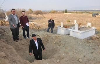 Defineciler mezarlığa dadandı
