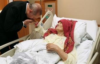 Cumhurbaşkanı Erdoğan, 100 yaşındaki Nazmiye Nine'yi ziyaret etti