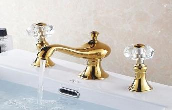 Evin altın kaplama musluklarını çaldılar