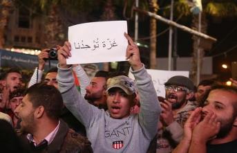 Gazzeliler direnişe destek için sokağa döküldü