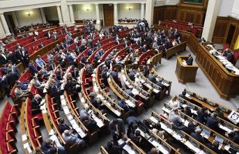 Gerginlik sürerken Ukrayna'dan sıkıyönetim kararı