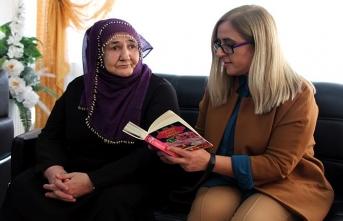 Gönüllü öğretmenler yaşlılara kitap okuyacak